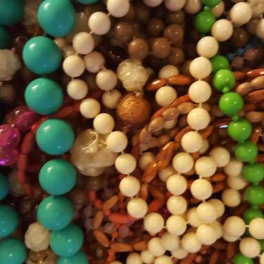 Vintage bead necklaces (3)